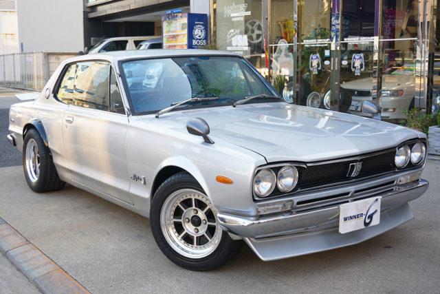 ハコスカの愛称で人気の3代目スカイライン。その愛称の由来から車種の特徴に迫る!