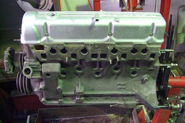 ベースL28エンジン