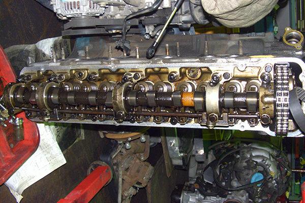 降ろしたL20エンジン