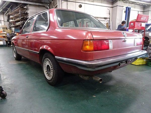 BMW 320i リア2