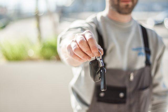 あなたの愛車は適正価格?車における「下取り」「買取」の違いから、それぞれのメリット・デメリットをまとめてみた