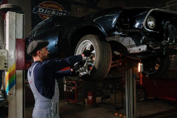 改造車を車検に通すための構造変更や公認車検とは?