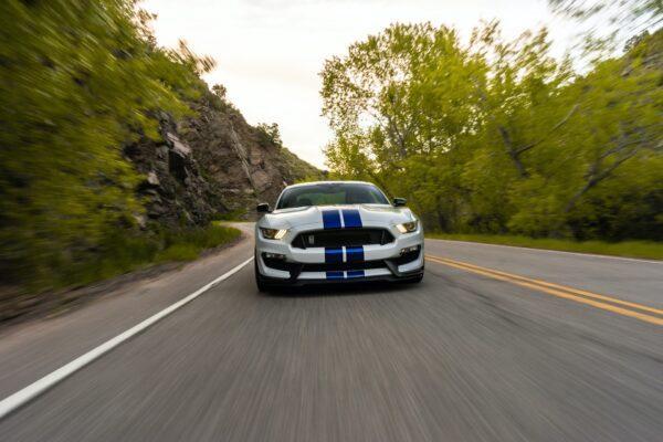 ロードノイズ対策でドライブを快適に!原因や処理にかかる費用を紹介