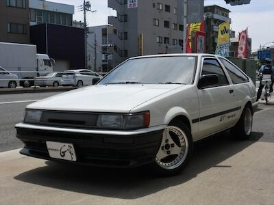S62年 カローラレビン GT-V(AE86)